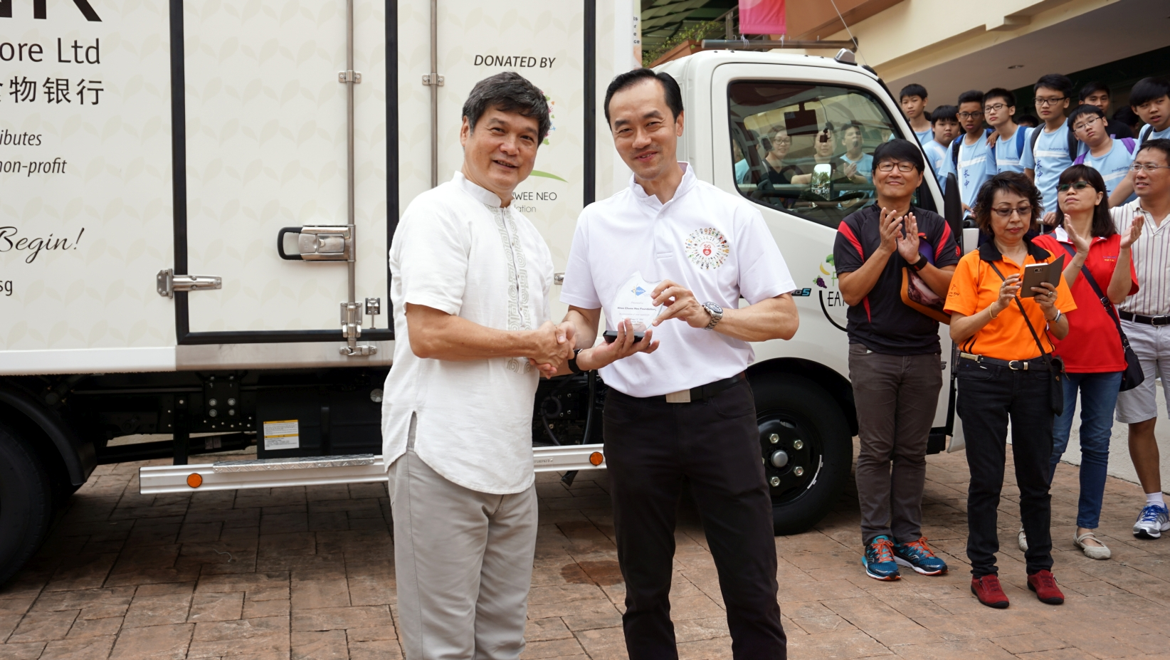20160528 Launch of Foodbank Truck 12